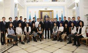 Посол РК в РФ встретился с казахстанскими студентами